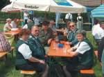 schkolen-2003/6433/zum-kanonenboellern-auf-der-festwiese-in Zum Kanonenböllern auf der Festwiese in Schkölen - 01.06.2003