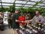 2008/5803/bei-der-siegerehrung---vorsitzender-manfred Bei der Siegerehrung - Vorsitzender Manfred Goldacker überreicht die Urkunden und Pokale - 21.06.2008