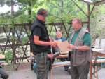 2011/146135/stefan-lukasek-vom-sv-maibachtal-erhaelt Stefan Lukasek vom SV Maibachtal erhält eine Urkunde in der Disziplin KK lang - 18.06.2011