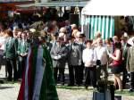 1608---festakt/30904/die-gaeste-aus-insgesamt-19-schuetzenvereinen Die Gäste aus insgesamt 19 Schützenvereinen erwarten gespannt die Proklamation der Schützenkönige 2009 - Foto Lothar Biegemann - 16.08.2009
