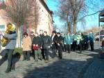 2004/13194/marsch-zum-denkmal-vor-den-schuetzen Marsch zum Denkmal vor den Schützen die Vertreter der Stadt - 14.11.2004