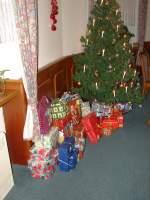 2009/46729/weihnachtsfeier-2009---die-weihnachtspaeckchen-vor Weihnachtsfeier 2009 - Die Weihnachtspäckchen vor der Verteilung - 12.12.2009
